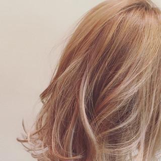 渋谷系 フェミニン ミディアム ストリート ヘアスタイルや髪型の写真・画像 ヘアスタイルや髪型の写真・画像
