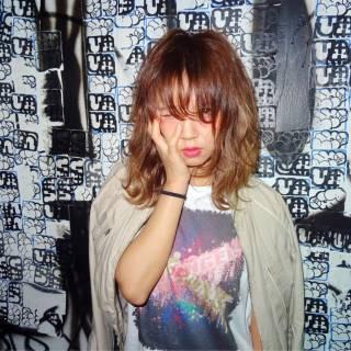 ウェーブ ミディアム ウェットヘア 甘辛MIX ヘアスタイルや髪型の写真・画像