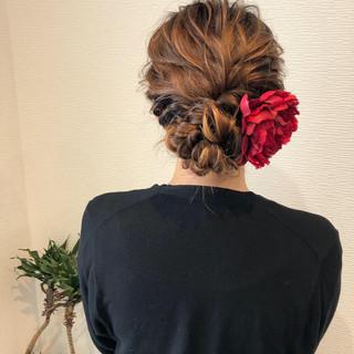 アップスタイル ヘアセット ねじり フェミニン ヘアスタイルや髪型の写真・画像