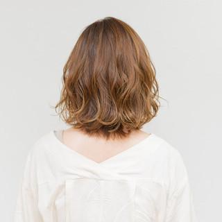 抜け感 デート ミディアム 大人かわいい ヘアスタイルや髪型の写真・画像