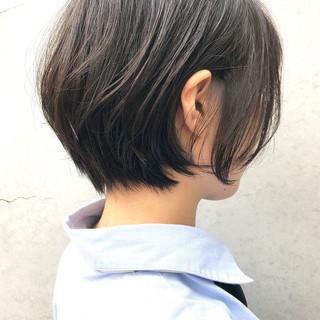 ショート 黒髪 小顔ヘア ナチュラル ヘアスタイルや髪型の写真・画像