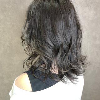アッシュグレージュ グラデーションカラー イルミナカラー ハイライト ヘアスタイルや髪型の写真・画像