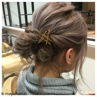フェミニン ヘアアレンジ お団子 簡単ヘアアレンジ ヘアスタイルや髪型の写真・画像 ヘアスタイルや髪型の写真・画像