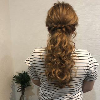 ヘアセット ポニーテール ねじり ローポニーテール ヘアスタイルや髪型の写真・画像