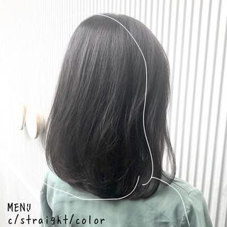 ミディアム グレージュ 前髪 ストレート ヘアスタイルや髪型の写真・画像