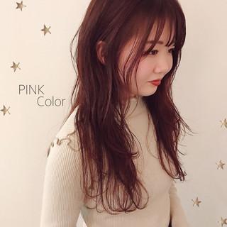 ロング ガーリー ピンクカラー ヘアスタイルや髪型の写真・画像