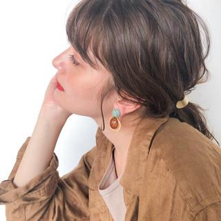 ミディアム アウトドア ベージュ デート ヘアスタイルや髪型の写真・画像