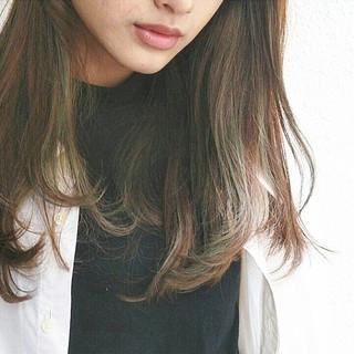 大人かわいい セミロング 抜け感 外国人風 ヘアスタイルや髪型の写真・画像