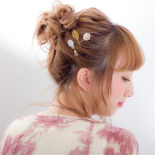 外国人風 お団子 ハイトーン ミディアム ヘアスタイルや髪型の写真・画像