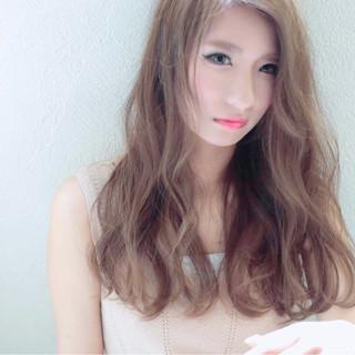 アッシュ ロング かき上げ前髪 前髪あり ヘアスタイルや髪型の写真・画像