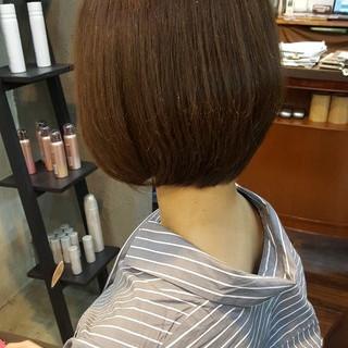 透明感 オフィス イルミナカラー ナチュラル ヘアスタイルや髪型の写真・画像