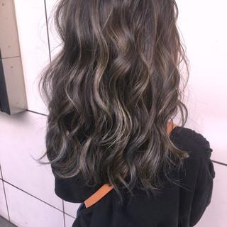 フェミニン ハイライト 冬 外国人風 ヘアスタイルや髪型の写真・画像