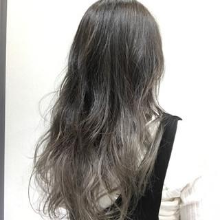 ロング グラデーションカラー 外国人風 ゆるふわ ヘアスタイルや髪型の写真・画像