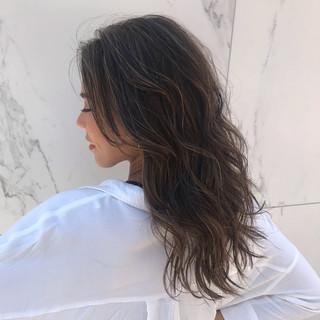 エレガント グラデーションカラー グレージュ 外国人風カラー ヘアスタイルや髪型の写真・画像