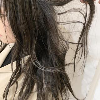 オフィス モテ髪 アッシュグレージュ ミルクティーベージュ ヘアスタイルや髪型の写真・画像