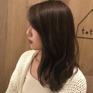 セミロング 抜け感 モテ髪 ウェットヘア ヘアスタイルや髪型の写真・画像 ヘアスタイルや髪型の写真・画像