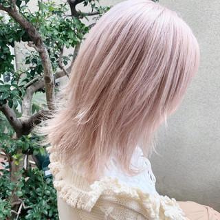 ハイトーン ハイトーンカラー ミディアム ブロンドカラー ヘアスタイルや髪型の写真・画像