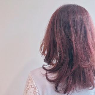 ヘアアレンジ フェミニン ピンク レッド ヘアスタイルや髪型の写真・画像