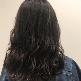 パーマ アメジスト 外国人風 フェミニン ヘアスタイルや髪型の写真・画像