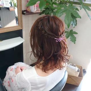 簡単ヘアアレンジ ふわふわヘアアレンジ ナチュラル ヘアアレンジ ヘアスタイルや髪型の写真・画像