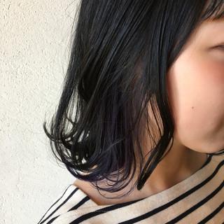 コリアンネイビー ネイビーカラー ネイビー インナーカラー ヘアスタイルや髪型の写真・画像