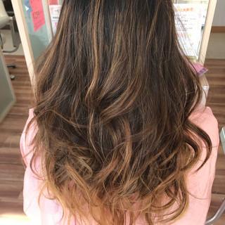 バレイヤージュ 外国人風カラー グラデーションカラー ガーリー ヘアスタイルや髪型の写真・画像