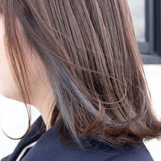 セミロング インナーカラーグレージュ インナーブルー インナーカラーグレー ヘアスタイルや髪型の写真・画像
