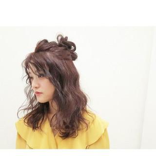 セミロング ヘアアレンジ デート ナチュラル ヘアスタイルや髪型の写真・画像