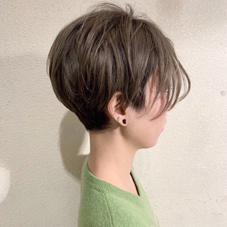 小顔ショート グレージュ ショートヘア ショートボブ ヘアスタイルや髪型の写真・画像