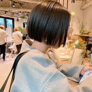 ミニボブ オフィス ナチュラル ショートヘア ヘアスタイルや髪型の写真・画像