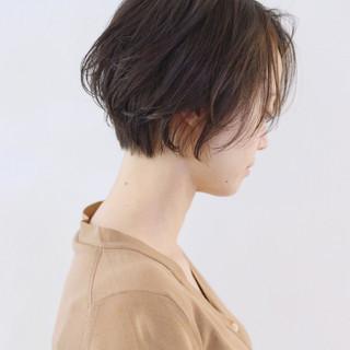 ウェーブ パーマ ナチュラル ショート ヘアスタイルや髪型の写真・画像