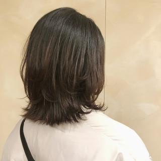 レイヤースタイル ミディアム レイヤーカット ナチュラル ヘアスタイルや髪型の写真・画像