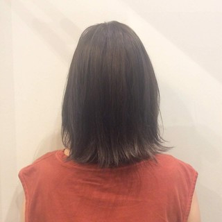 グレージュ 大人かわいい 暗髪 ナチュラル ヘアスタイルや髪型の写真・画像
