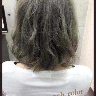 ハイライト アッシュグレージュ ガーリー セミロング ヘアスタイルや髪型の写真・画像
