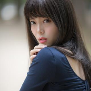 ロング 暗髪 秋 透明感 ヘアスタイルや髪型の写真・画像 ヘアスタイルや髪型の写真・画像