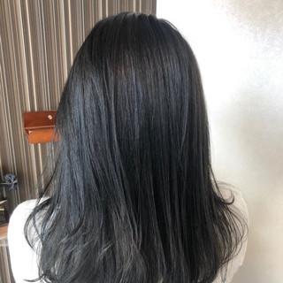 ネイビーブルー ブルーアッシュ ナチュラル セミロング ヘアスタイルや髪型の写真・画像