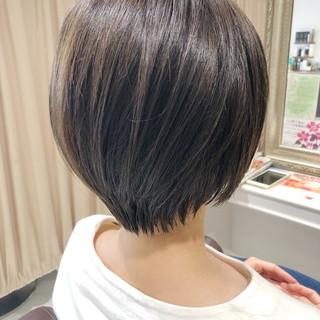 前下がりショート ショートヘア 小顔ショート ナチュラル ヘアスタイルや髪型の写真・画像 ヘアスタイルや髪型の写真・画像