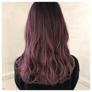 ロング フェミニン ベージュ レッド ヘアスタイルや髪型の写真・画像 ヘアスタイルや髪型の写真・画像