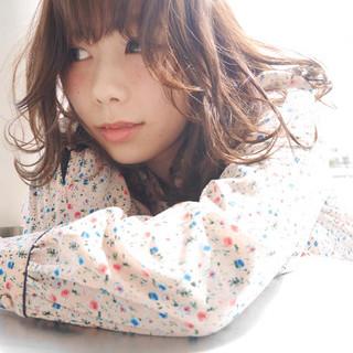 冬 フェミニン 前髪あり セミロング ヘアスタイルや髪型の写真・画像