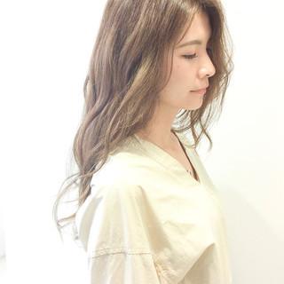 セミロング 簡単ヘアアレンジ フェミニン デート ヘアスタイルや髪型の写真・画像