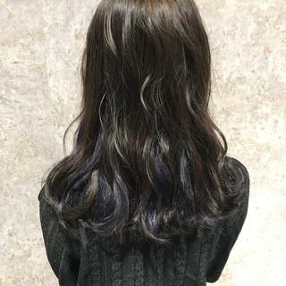 ロング 艶髪 モード インナーカラー ヘアスタイルや髪型の写真・画像