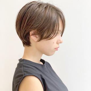 アウトドア オフィス パーマ モード ヘアスタイルや髪型の写真・画像