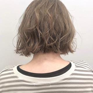 外ハネボブ 切りっぱなしボブ 抜け感 ナチュラル ヘアスタイルや髪型の写真・画像