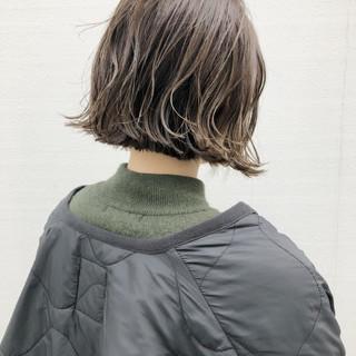 ニュアンスヘア ストリート 切りっぱなしボブ カジュアル ヘアスタイルや髪型の写真・画像