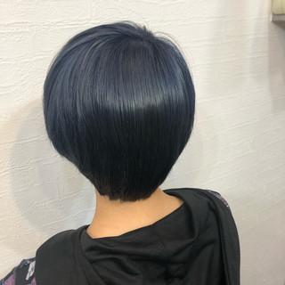 ショート ブルー ブルーアッシュ 派手髪 ヘアスタイルや髪型の写真・画像