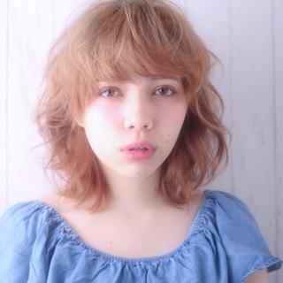 ミディアム アッシュ パーマ 外国人風 ヘアスタイルや髪型の写真・画像