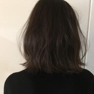 アッシュ 外ハネ 外国人風 ナチュラル ヘアスタイルや髪型の写真・画像