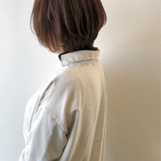 アッシュブラウン ボブ ナチュラル ショートボブ ヘアスタイルや髪型の写真・画像