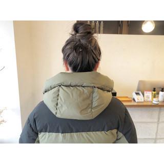 ミルクティーベージュ お団子ヘア ハイライト お団子アレンジ ヘアスタイルや髪型の写真・画像