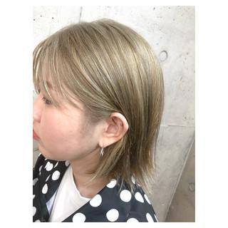 ダブルカラー ヌーディベージュ ストリート ブリーチ ヘアスタイルや髪型の写真・画像